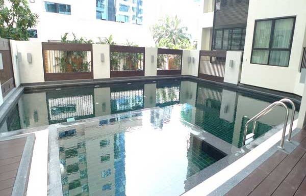 59-Heritage-Sukhumvit-Bangkok-condo-for-sale-swimming-pool